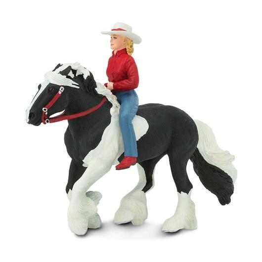 Наездница на лошади